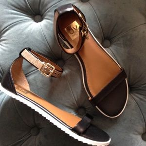 new DV DOLCE VITA ankle strap sandals 7.5 8